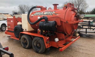 2012 Ditch Witch FX30 vacuum trailer