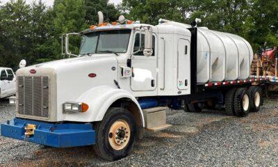 2007 Peterbilt 378 4000 gallon tank